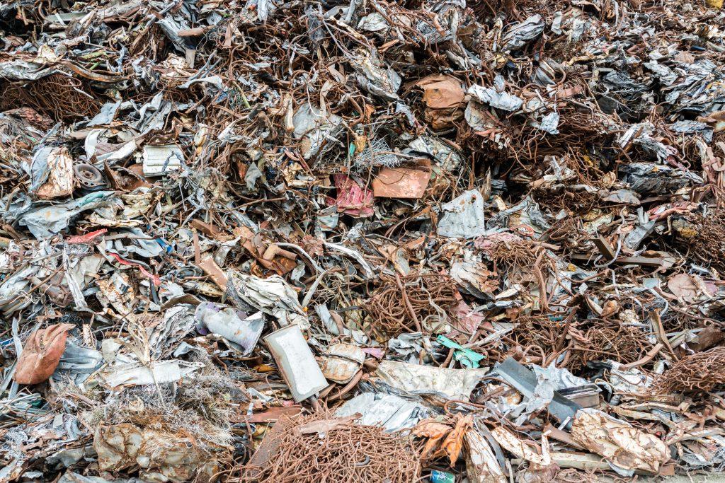 odvoz odpadu a vypratávanie bytových a nebytových priestorov